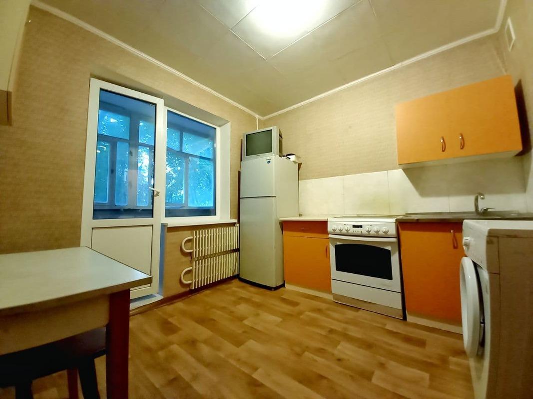 продам 1-комнатную квартиру Днепр, ул.Тополь 2 Ж/м, 32 - Фото 1